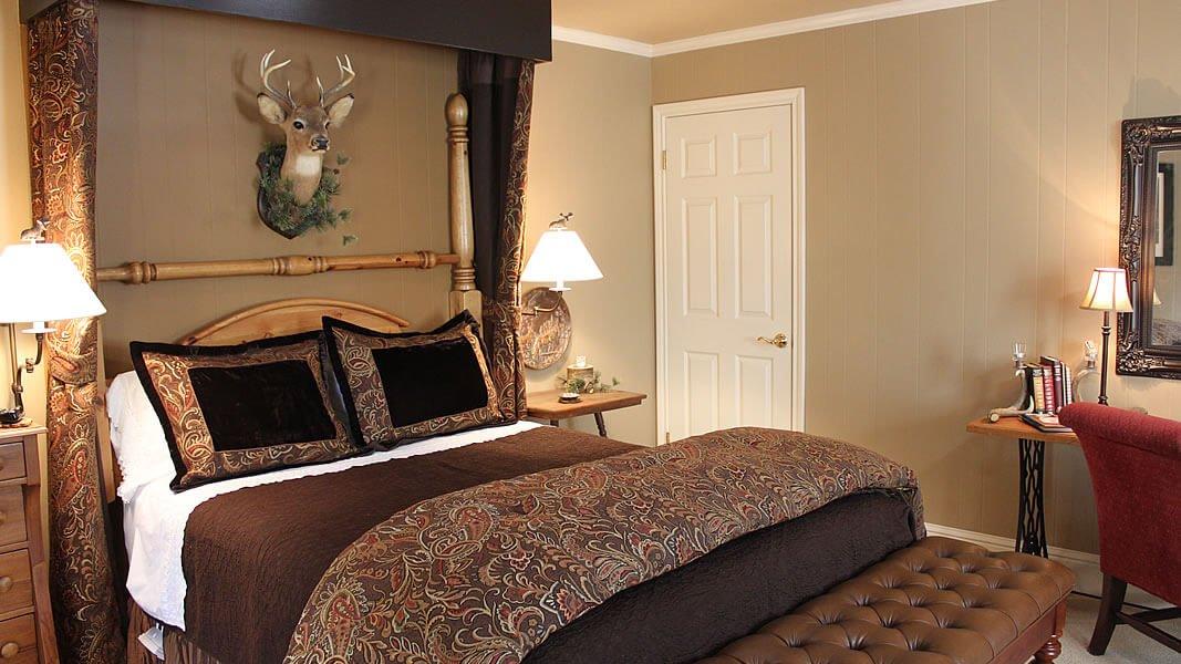 08 - Guest Room #3 - Hunter's Hideaway