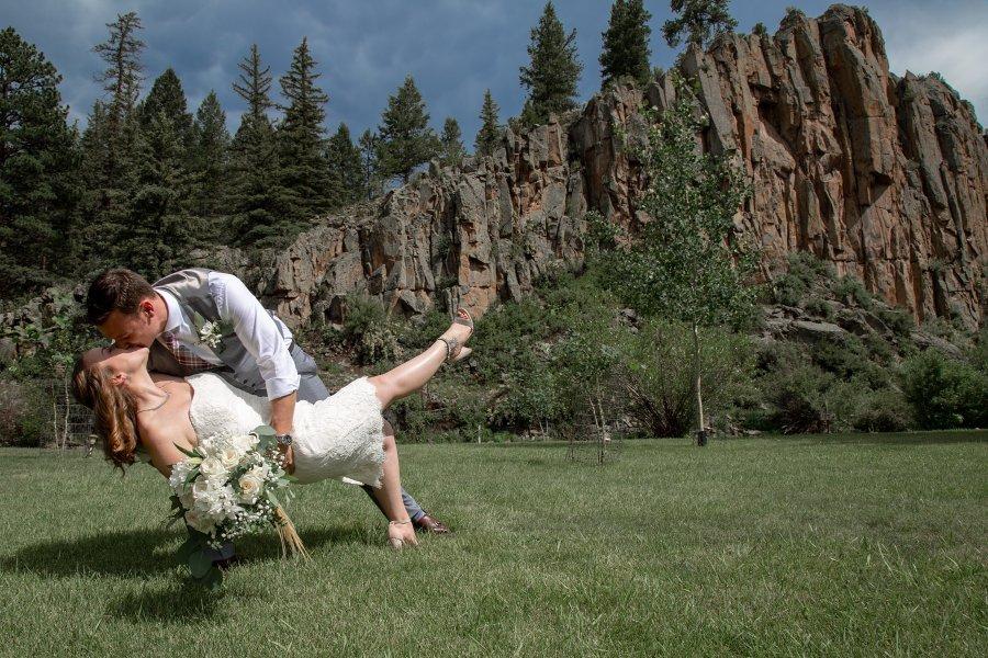 South-Fork-Wedding_Arbor-House-Inn_Colorado-Mountain-Elopement_Ashography_0184