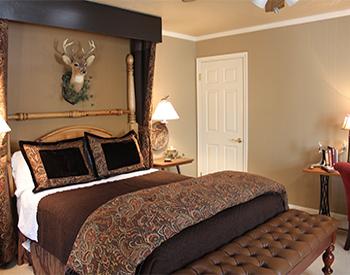 Hunter's-Hideaway-room